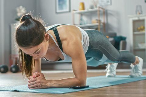 4 λόγοι για τους οποίους η γυμναστική στο σπίτι είναι καλύτερη από το γυμναστήριο