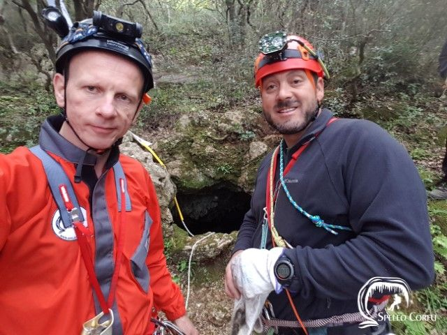 Will the mystery of the ΄Tripa tou Pelaou΄ cave (Hole of the sea) ever be solved?